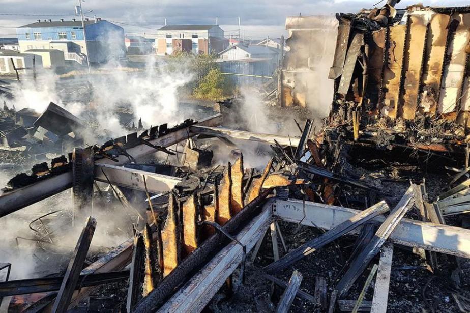 Des bureaux de la DPJ ont été détruits... (PHOTO TIRÉE DE FACEBOOK)