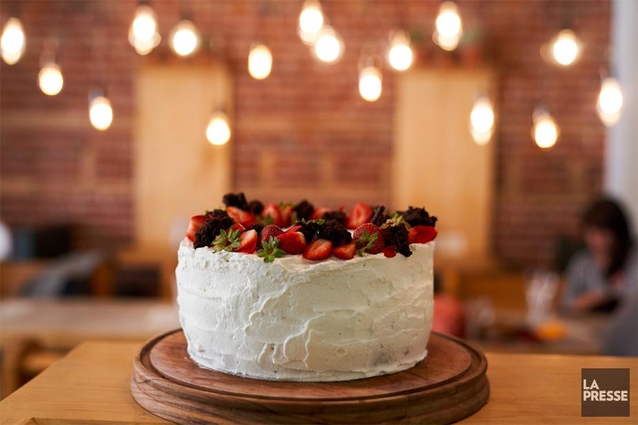 Les superbes gâteaux de la chef pâtissière Élisabeth... (Photo André Pichette, La Presse)