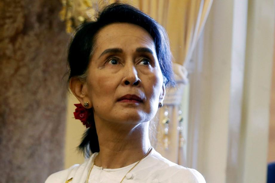 Cette affaire survient alors que la dirigeante birmane... (REUTERS)
