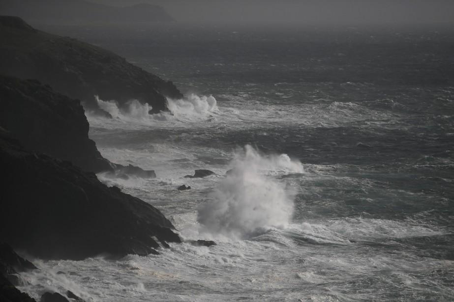 La tempête a surtout frappé le nord de... (Photo CLODAGH KILCOYNE, REUTERS)
