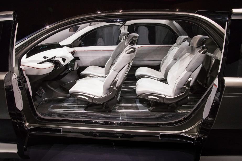 L'habitacle du prototype Chrysler Portal, montré auau CES de 2017 à Las Vegas. (Photo FCA)