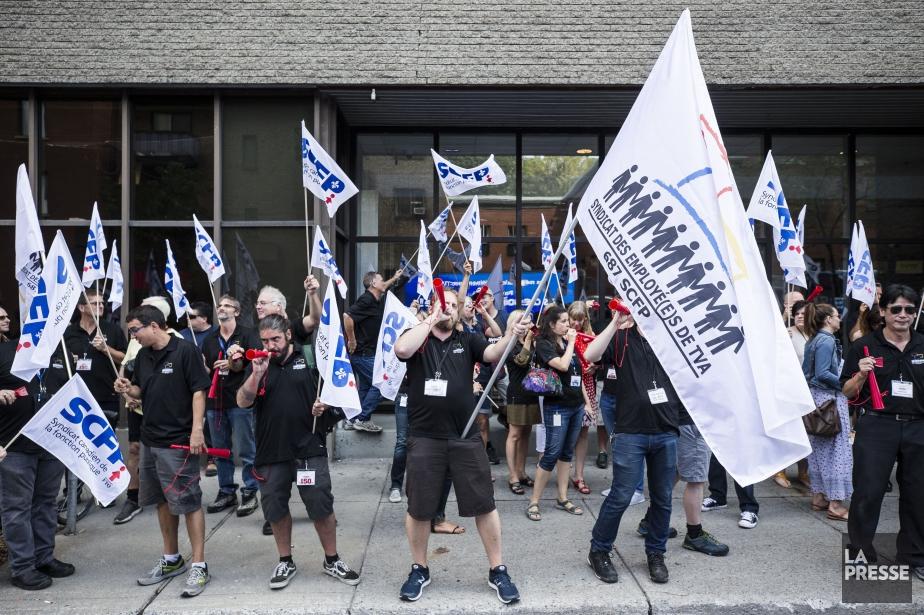 Les membres du Syndicat des employés de TVA... (PHOTO EDOUARD PLANTE-FRECHETTE, archives LA PRESSE)
