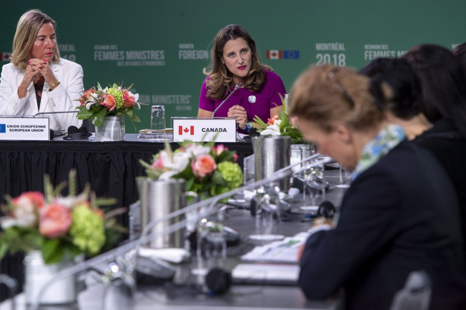 Chrystia Freeland, la ministre canadienne des Affaires étrangères,... (Photo Paul Chiasson, La Presse canadienne)
