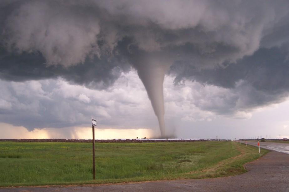Le 22 juin 2007, la toute première tornade... (PHOTO Wayne Hanna, archives LA PRESSE CANADIENNE)