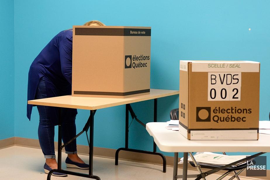 Vendredi et samedi, les électeurs ont pu voter... (PHOTO BERNARD BRAULT, LA PRESSE)