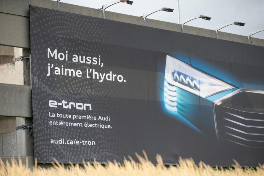Un panneau publicitaire a été installé sur le... (Photo David Boily, La Presse)