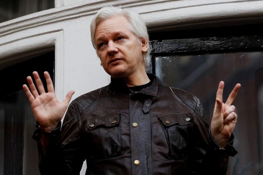 Julian Assange s'est réfugié dans la représentation diplomatique... (PHOTO REUTERS)