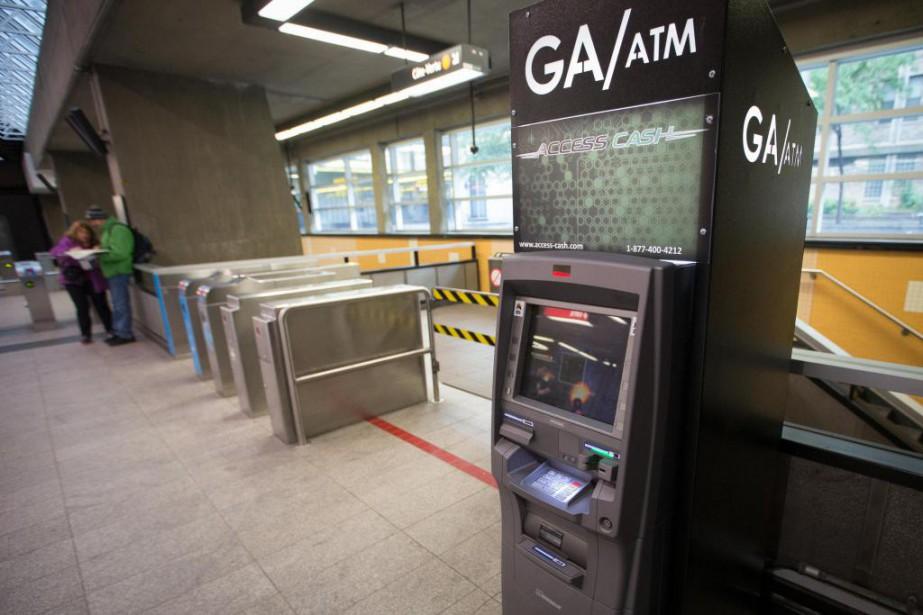 Des guichets indépendants d'Access Cash ont fait leur... (Photo Ivanoh Demers, La Presse)