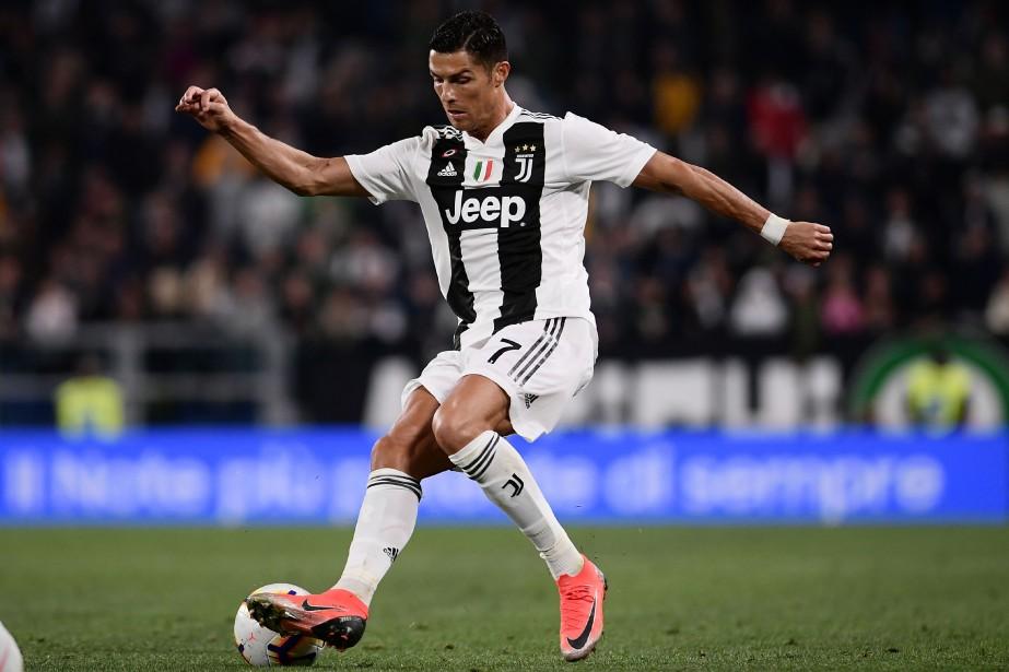 Cristiano Ronaldo... (PHOTO MARCO BERTORELLO, AFP)