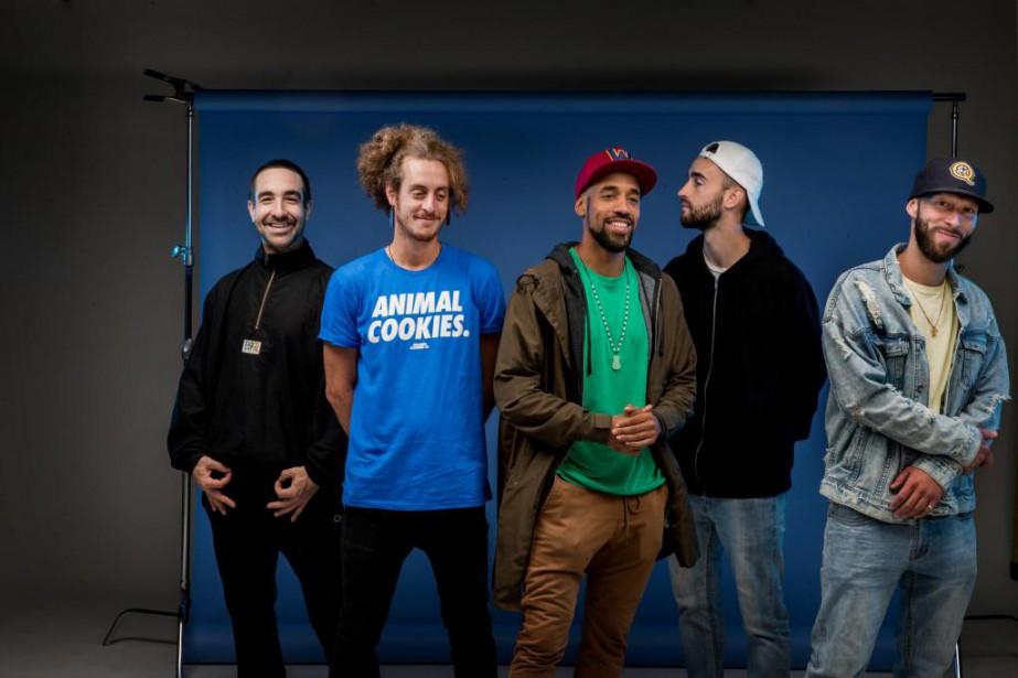 Cinq des six membres d'AlaclairEnsemble: Maybe Watson (OlivierNormand-Guénette),... (PHOTO MARCOCAMPANOZZI, LA PRESSE)