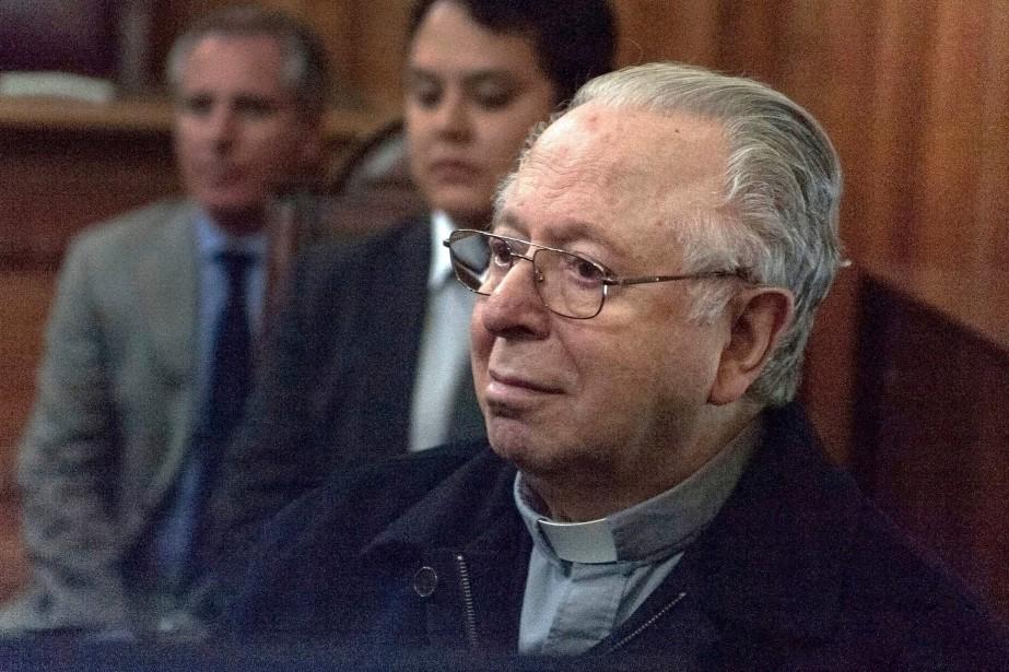 Fernando Karadima, un ancien prêtre chilien condamné pour... (PHOTO ARCHIVES AFP)