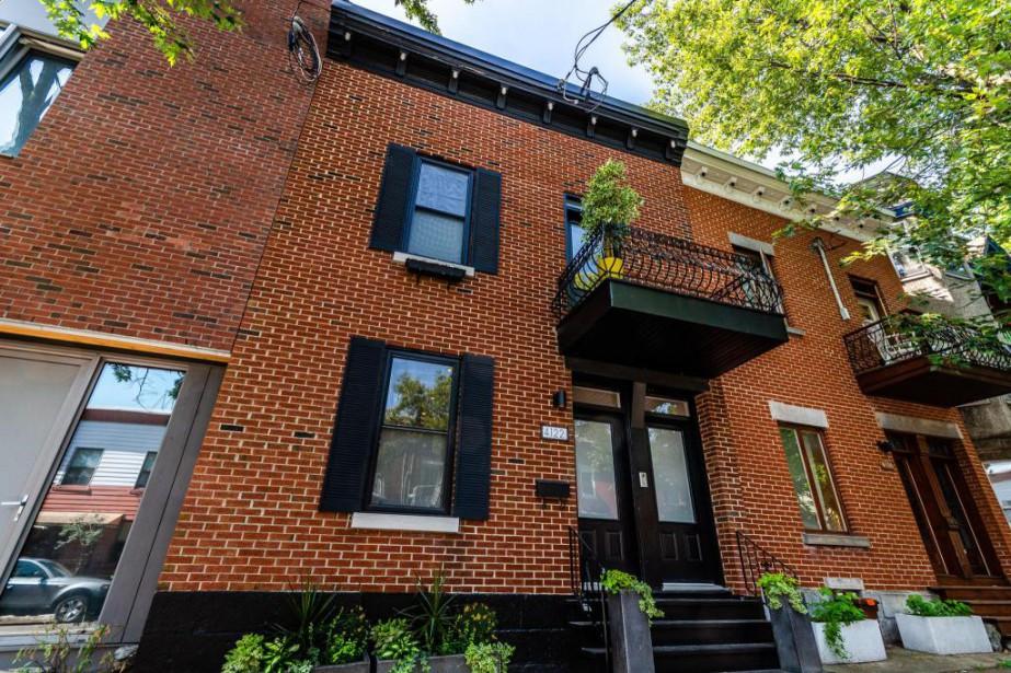 Cette maison en rangée est située avenue Laval,... (Photo fournie par Remax du Cartier)