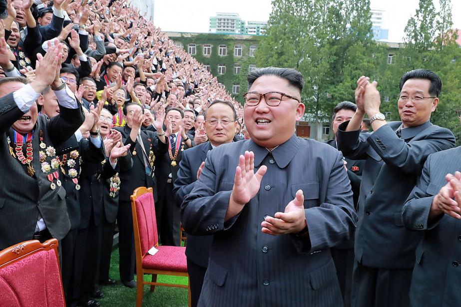 Sur cette photo diffusée le 29septembre par l'agence... (PHOTO KCNA VIA KNS/AFP)