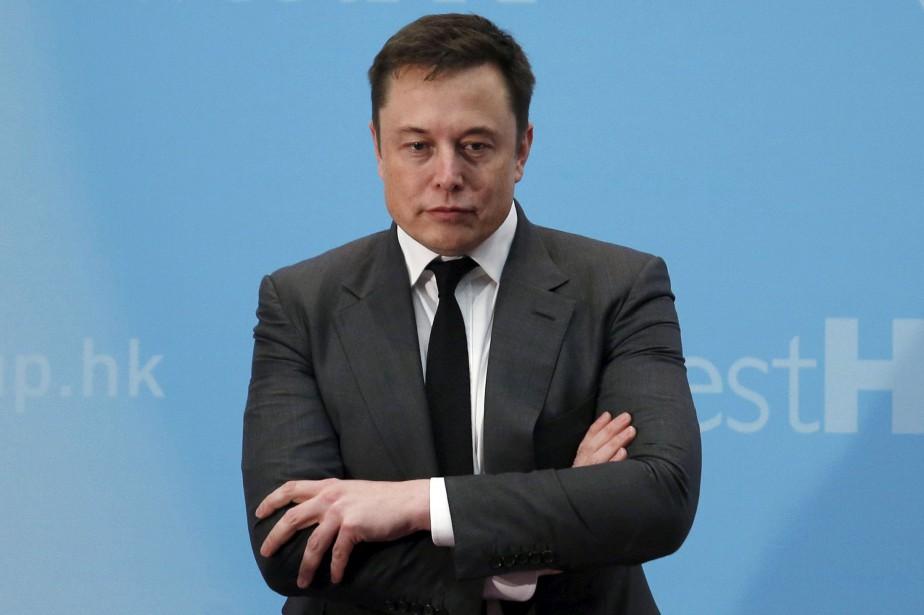 Elon Musk s'est fait tordre le bras par... (photo d'archives REUTERS)