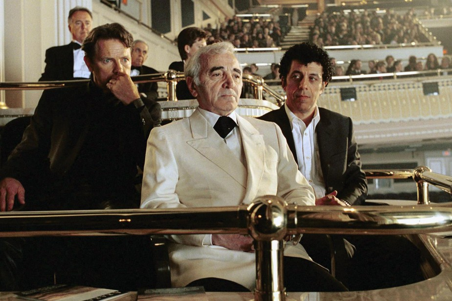 Bruce Greenwood, Charles Aznavour et Eric Bogosian dans... (Photo archives La Presse Canadienne)