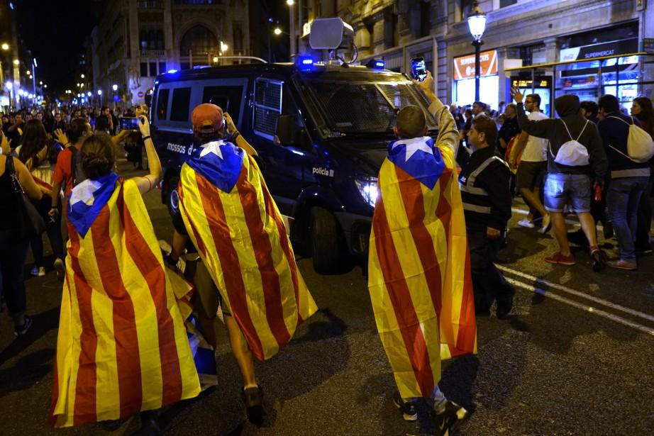 Intervenant mardi devant le parlement catalan, Quim Torra... (PHOTO AP)