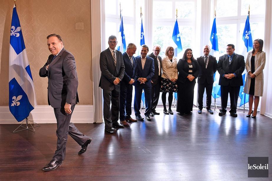 Sur cette photo, François Legault et de nouveaux... (Erick Labbé, Le Soleil)