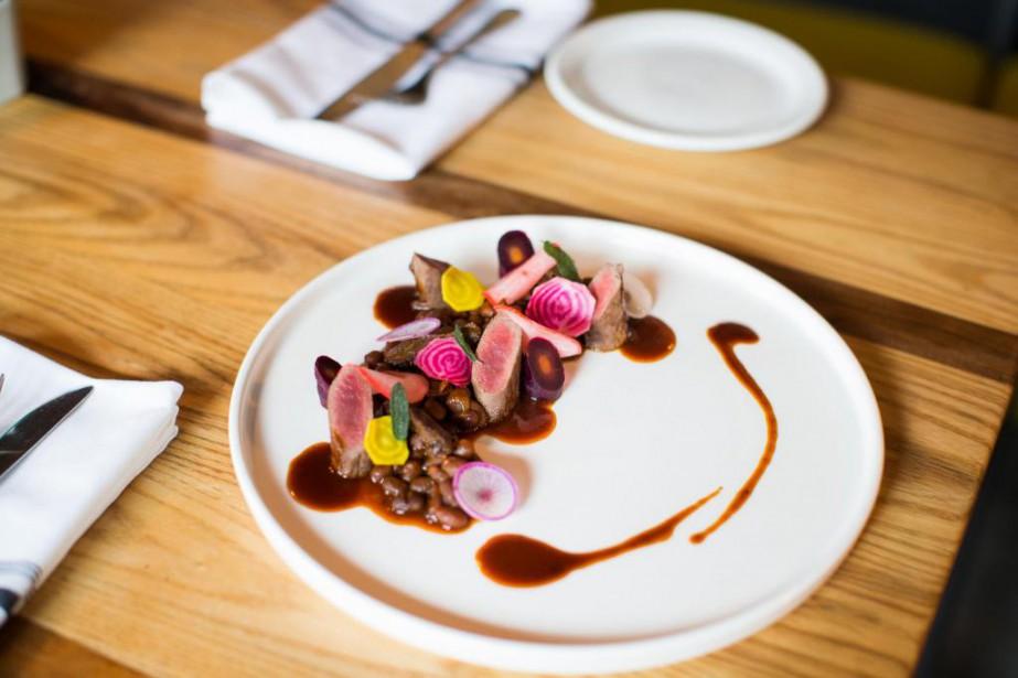 Plat de lièvre cuisiné par Roxanne Desrosiers, chef... (Photo Olivier PontBriand, La Presse)