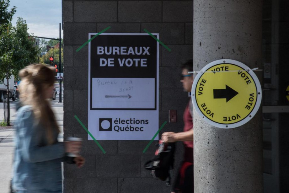 Des électeurs sympathiques aux libéraux sont carrément restés... (PhotoMARTIN OUELLET-DIOTTE, Agence France-Presse)