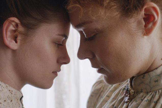 Kristen Stewart et Chloë Sevigny dans Lizzie, un... (Photofournie par Métropole Films)