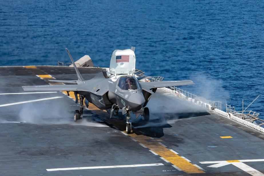 Un F-35B Lightning II s'élance du porte-avions USS... (Photo JENNA DOBSON, archives Marine américaine via AFP)