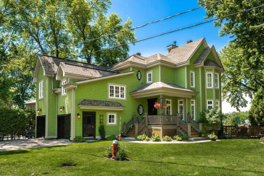 La propriété est située au bout d'une rue... (Photo fournie par Sotheby's International Realty Québec)