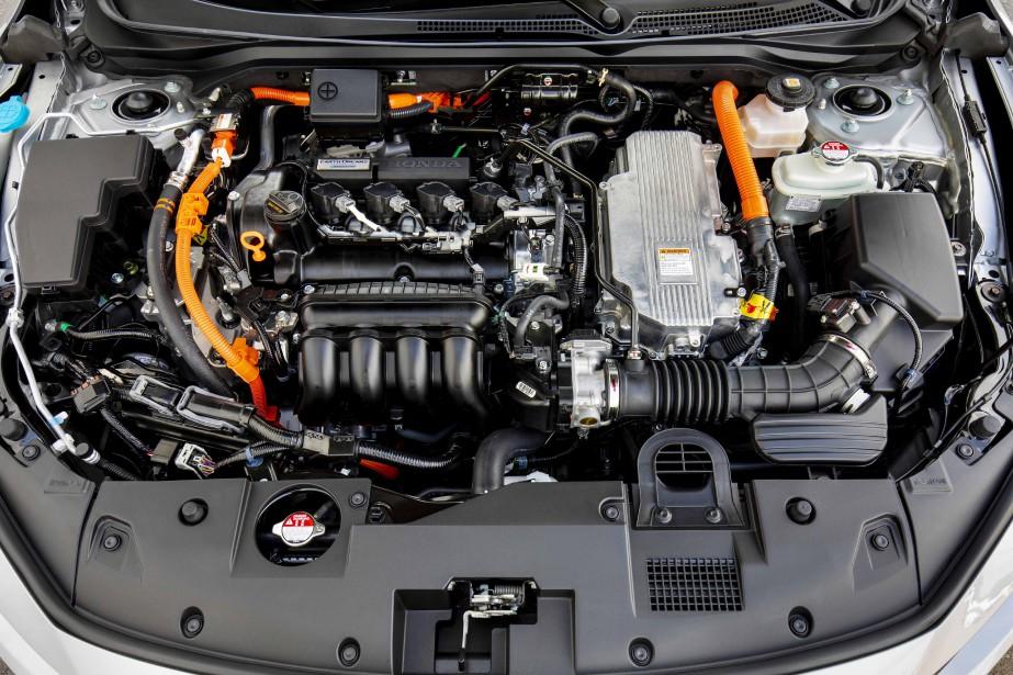 Le 4-cyl. de l'Insight manque de tonus et sans l'apport d'un moteur électrique, la critique serait plus cinglante encore. À l'accélération, il est bruyant. Mais son faible niveau de consommation est très convaincant. ()