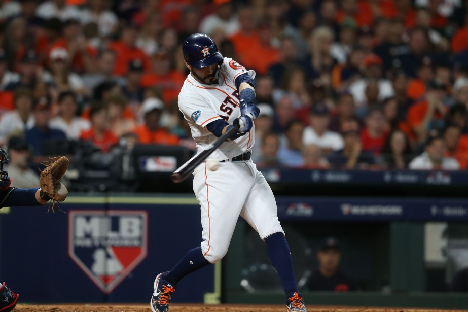 Marwin Gonzalez a contribué à l'effort des siens... (Photo Thomas B. Shea, USA TODAY Sports)