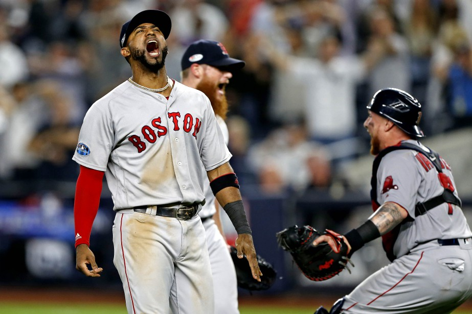 Eduardo Nunez célèbre la victoire des Red Sox.... (PHOTO REUTERS)