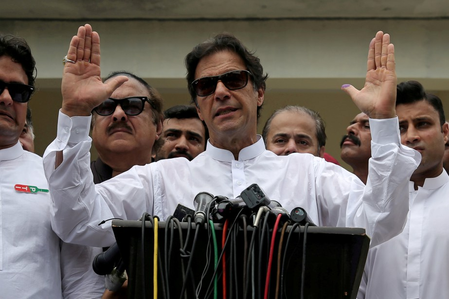 Le nouveau gouvernement d'Imran Khan, qui a pris... (Photo ATHIT PERAWONGMETHA, archives REUTERS)