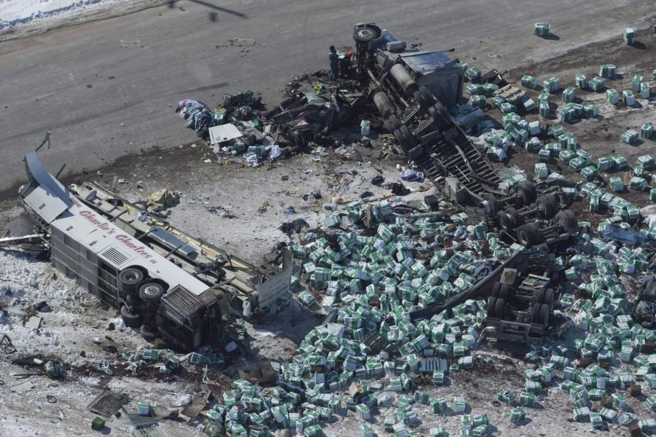 La collision entre un camion semi-remorque d'Adesh Deol... (PHOTO PC)