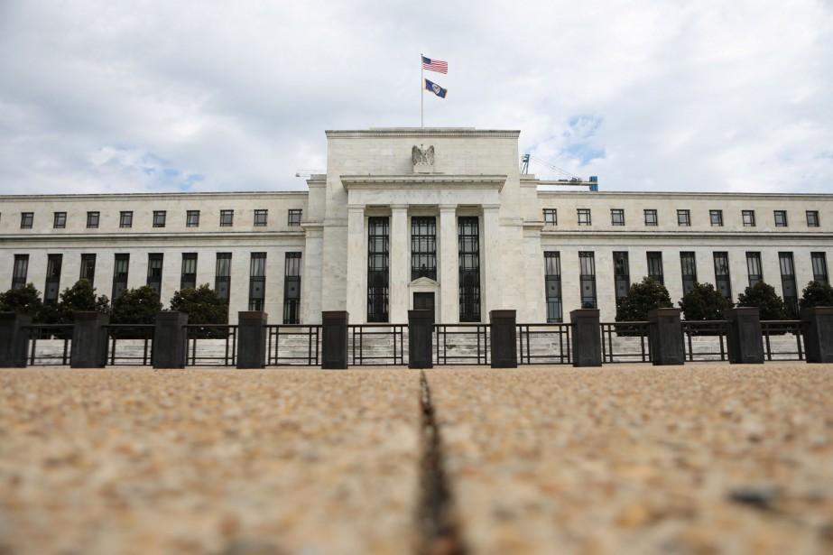 Les statuts de la Banque centrale américaine stipulent... (Photo Chris Wattie, REUTERS)