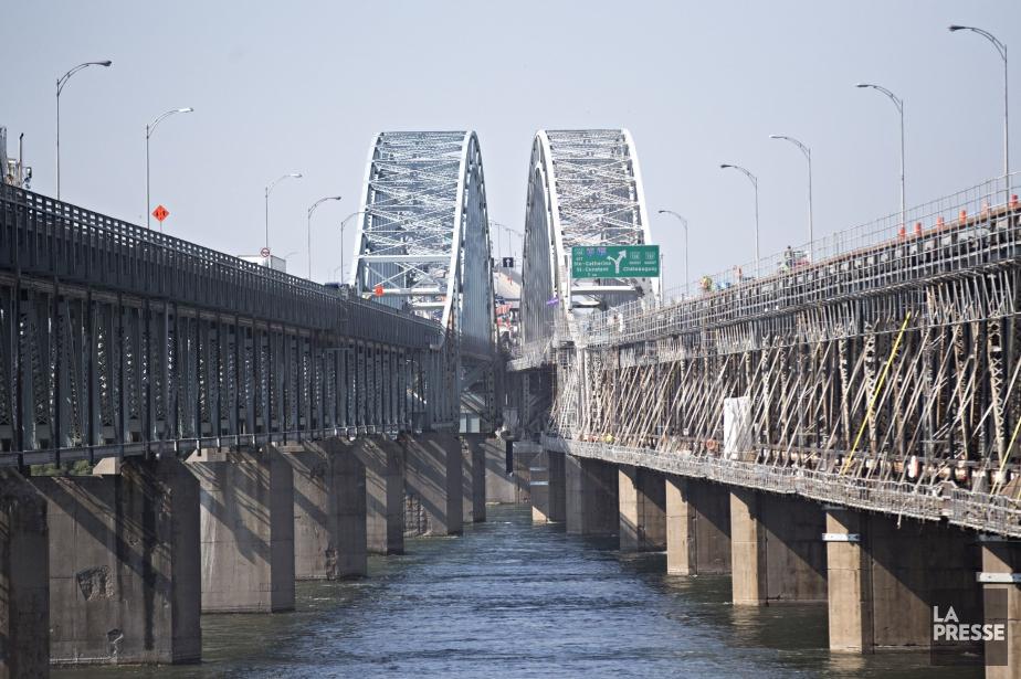 Une réouverture du pont Mercier est prévue d'ici... (PHOTO PATRICK SANFAÇON, ARCHIVES LA PRESSE)