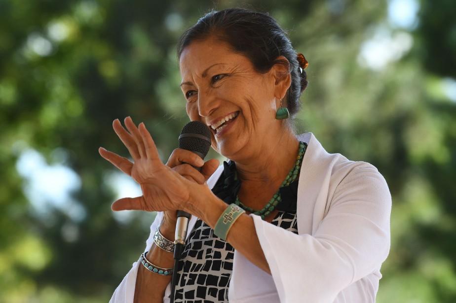 Deb Haaland, démocrate, est issue de la tribu... (Photo Mark Ralston, AFP)
