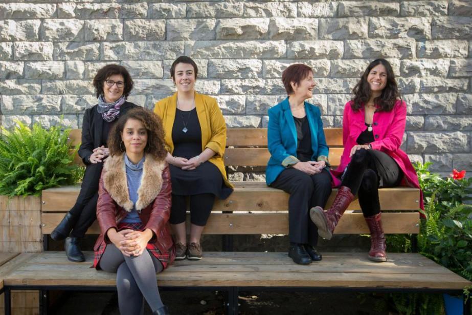 De gauche à droite:les poètes Diane Régimbald,Chloé Savoie-Bernard,... (PHOTO IVANOH DEMERS, LA PRESSE)