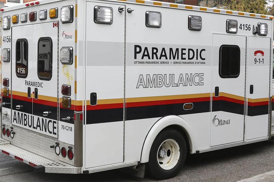 Un pilote a été transporté à l'hôpital après avoir... (Photo archives Le Droit)