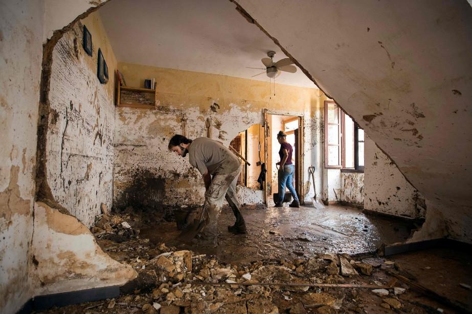 Les habitants de Sant Llorenç avaient été pris... (Photo JAIME REINA, Agence France-Presse)
