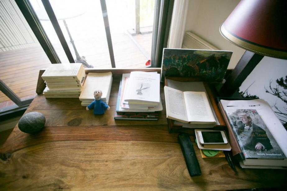 La table de travail de SergeBouchard... (Photo FrançoisRoy, La Presse)
