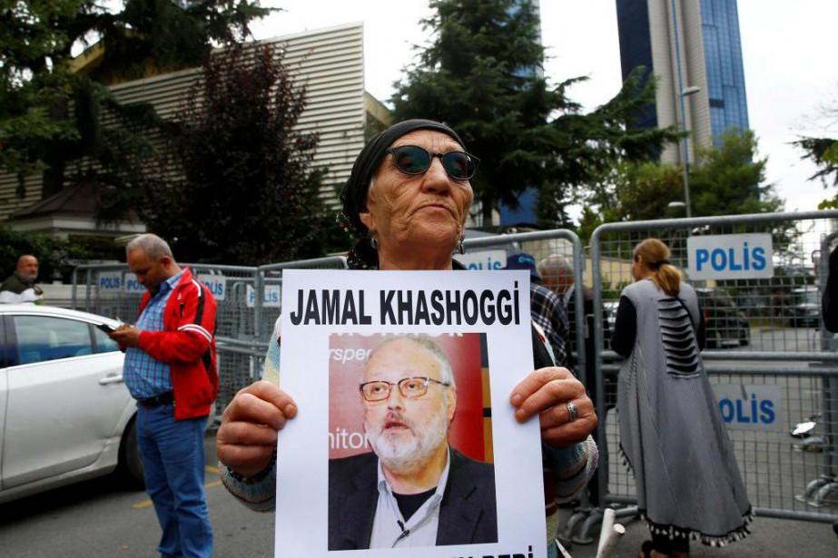Manifestation en l'honneur du journaliste Jamal Khashoggi devant... (PHOTO OSMAN ORSAL, REUTERS)