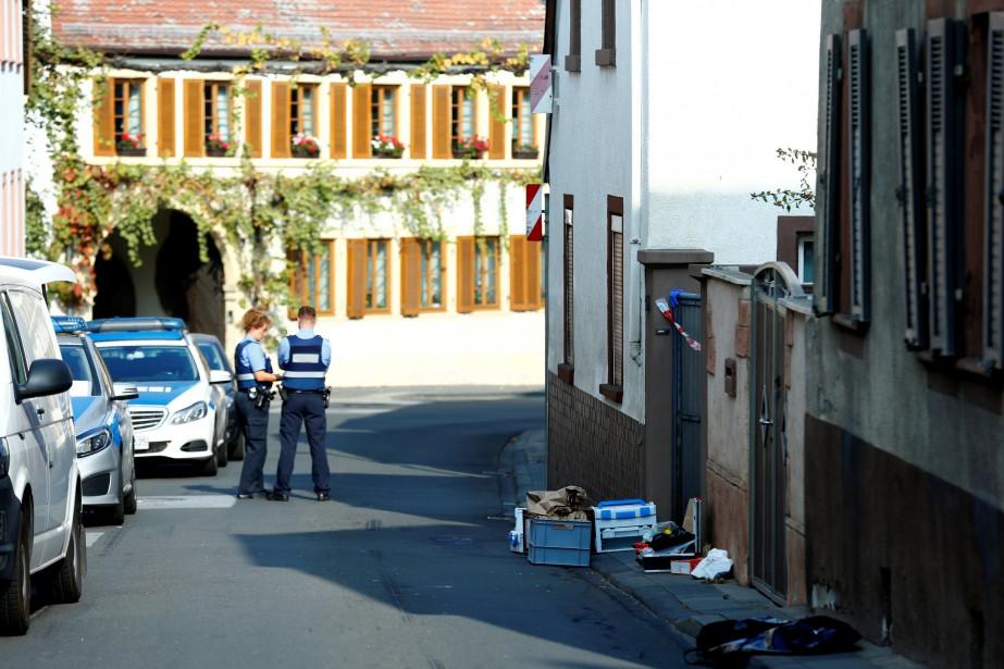 La fusillade a éclaté à l'arrivée des policiers... (Photo RALPH ORLOWSKI, REUTERS)