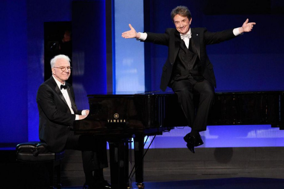 Steve Martin, à gauche, au piano, et Martin... (Photo Chris Pizzello, archives Associated Press)