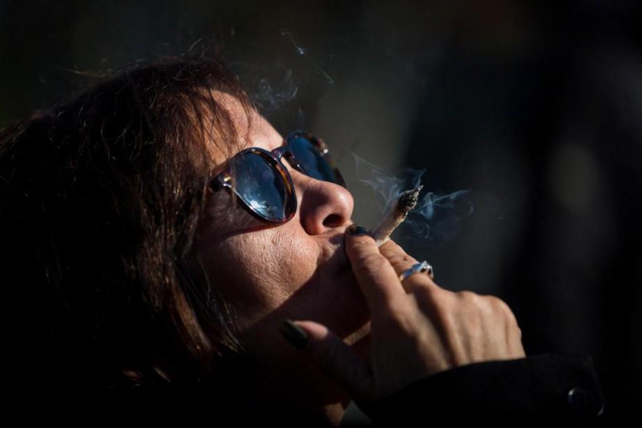 Le nombre d'études scientifiques sur le pot n'est... (PhotoDarryl Dyck, La Presse canadienne)