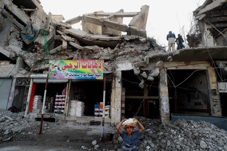 La coalition internationale intervient en soutien aux Forces... (PHOTO BEYROUTH, AFP)
