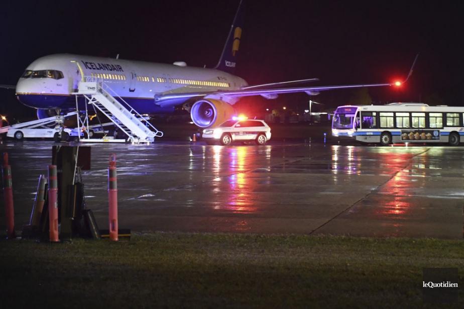 Le Boeing 757 appartient àla compagnie Icelandair.... (PHOTO ROCKET LAVOIE, LE QUOTIDIEN)