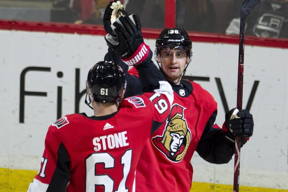 Colin White et Mark Stone... (Photo Adrian Wyld, La Presse canadienne)