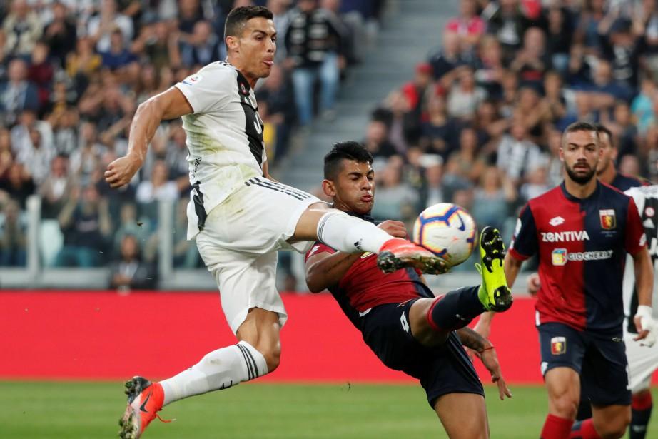 Cristiano Ronaldo est devenu le premier... (Photo Stefano Rellandini, REUTERS)