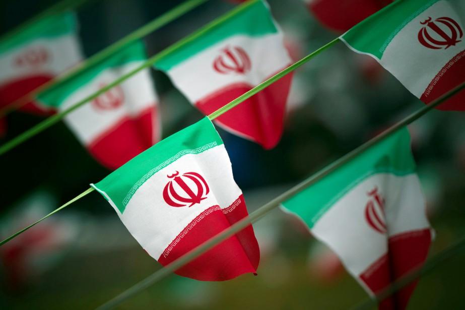 Le drapeau de l'Iran... (Photo Morteza Nikoubazi, REUTERS)