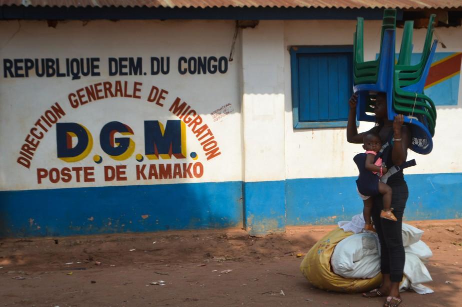 Après avoir traversé la frontière ces dernières semaines,... (Photo Sosthene KAMBIDI, AFP)