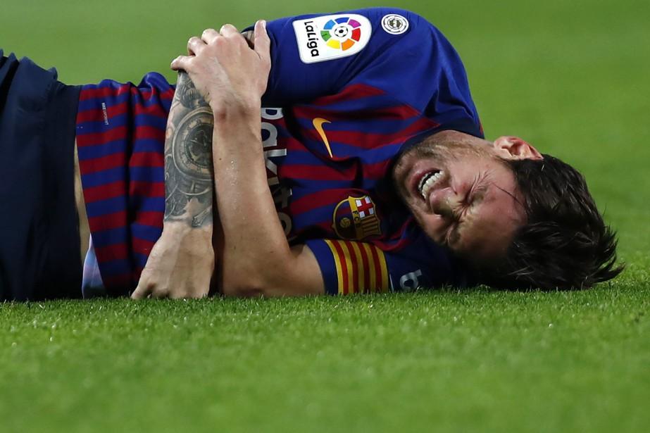 Lionel Messiluttait pour reprendre un ballon lorsqu'il est... (Photo Manu Fernandez, ap)