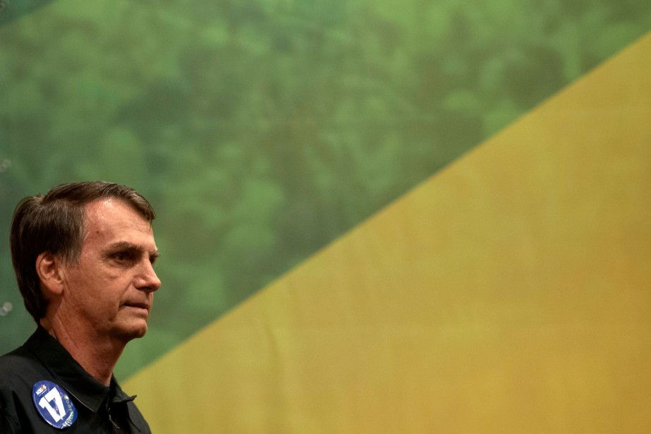 Jair Bolsonaro a excité chez des millions de... (Photo Mauro Pimentel, AFP)